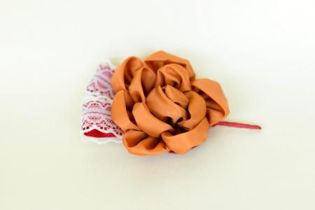 Cocardă nuntă floare textil - Diverse culori1