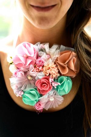 Colier flori textil [1]