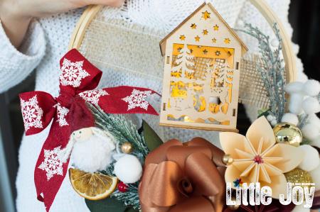 Coroniță Crăciun - Cărămiziu Căsuță luminoasă2
