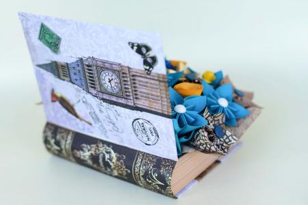 Cutie carte - Flori hârtie4