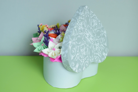 Cutie Inimă - Flori hârtie2