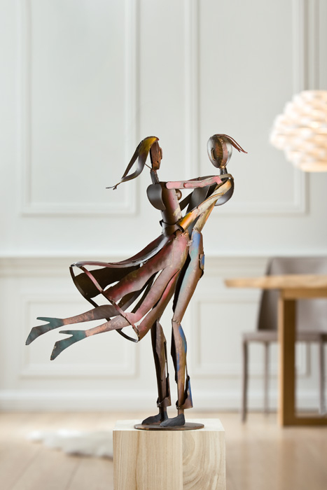 Figurina metal, lucrata manual, editie limitata LOVELY TWIST, 61X44X17.5 cm lotusland.ro