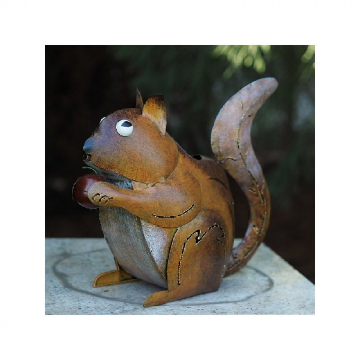 Figurina metal Watering can squirrel, 28x13x33 cm lotusland.ro
