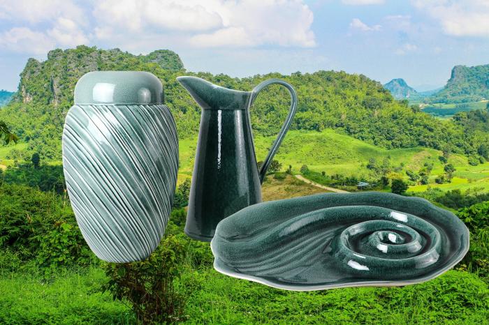 Set Carafa cu Vaza si Farfurie VAUX, ceramica, verde maslina, 32.5/33/5 cm 1