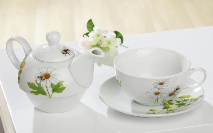 Set ceasca cu farfurie si capac ceainic Bees World, portelan, multicolor, 16.5x15x15 cm lotusland.ro