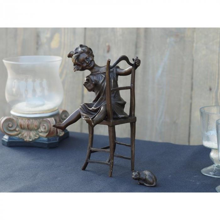 Statuie de bronz moderna Girl on chair 22x11x10 cm imagine 2021 lotusland.ro