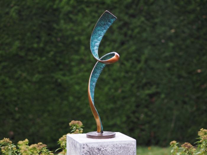 Statuie de bronz moderna Helix, 47x13x13 cm lotusland.ro