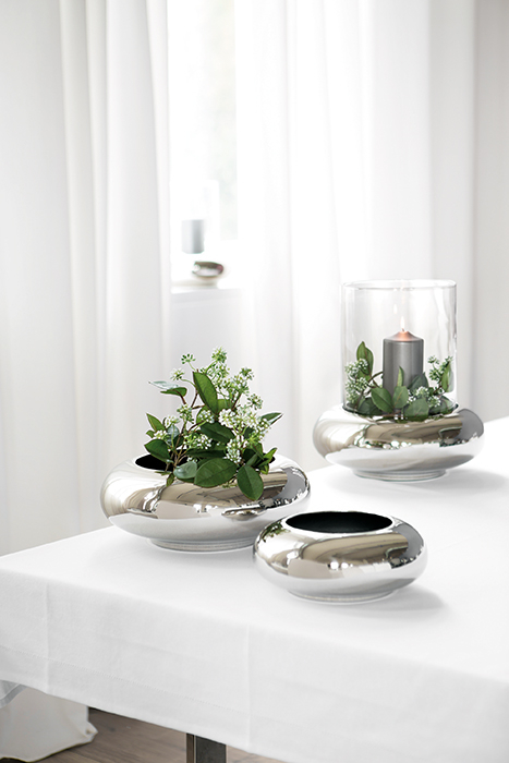 Vaza DELPHI, placat cu nichel, 9.2 x 24.8 cm [1]