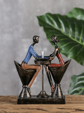 Figurina TABLE FOR TWO, rasina, 25x21x8 cm1