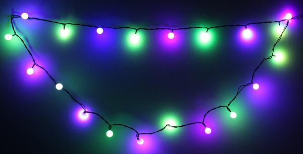 Ghirlanda luminoasa decorativa cu sfere 20 LED-uri multicolor culoare cablu verde, WELL 0