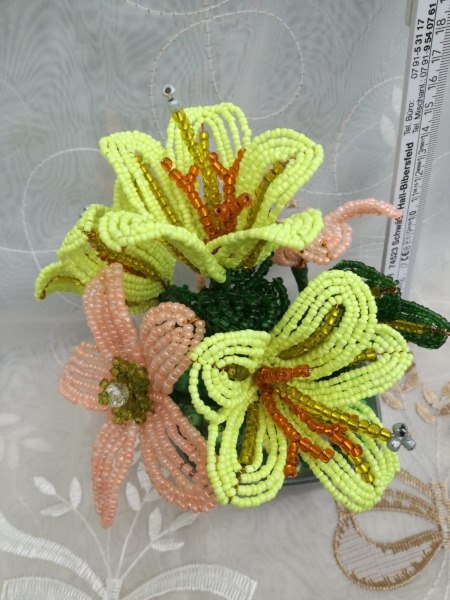 Flori decorative din margele M4 1