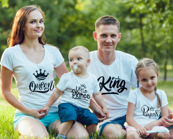 Set Tricouri Personalizate Familie - King, Queen, Princess And Prince 0