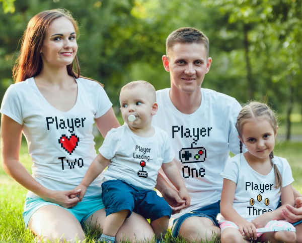 Set Tricouri Personalizate Familie - Player One, Two, Three, Player Loading 0