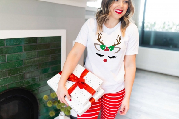 Tricou Personalizat Craciun - Reindeer Lady 0