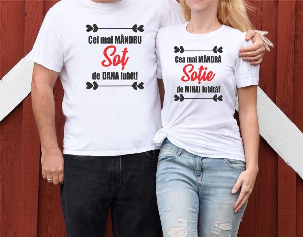 Tricouri Cuplu Personalizate - Cel mai mandru sot/sotie 0
