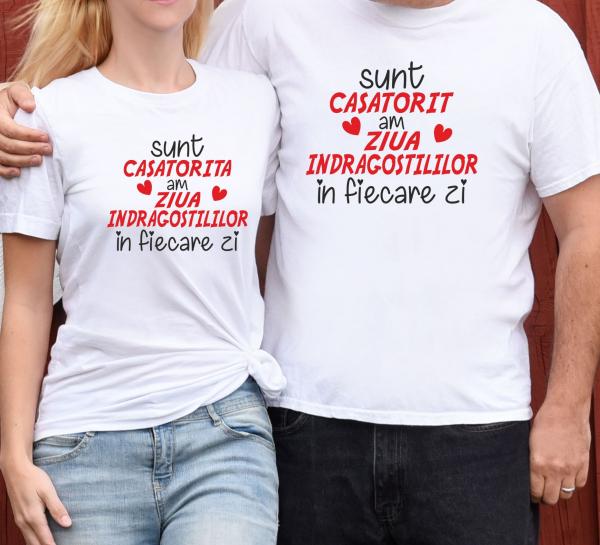 Tricouri Cuplu Personalizate - Sunt Casatorit/a Am Ziua Indragostitilor In Fiecare Zi 0