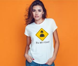 Tricou Personalizat #stamacasa - Nu ma risc1