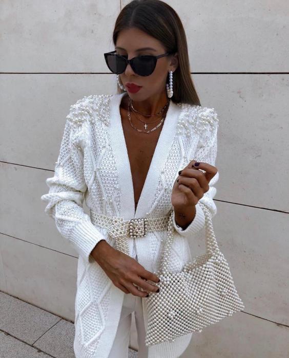 Cardigan alb cu perle aplicate 1