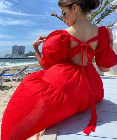 Rochie Red cu fundite la spate0