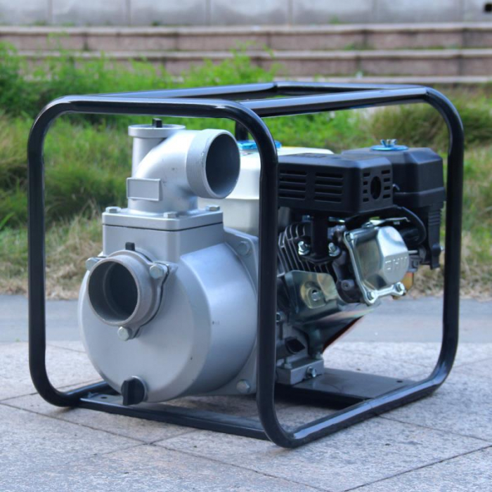 Motopompa Bison  BSWP30,  apa curata, 3'' intrare-iesire, motor pe benzina 4T, debit maxim 56m³/h, 8m adancime maxima, 30m inaltime refulare 4