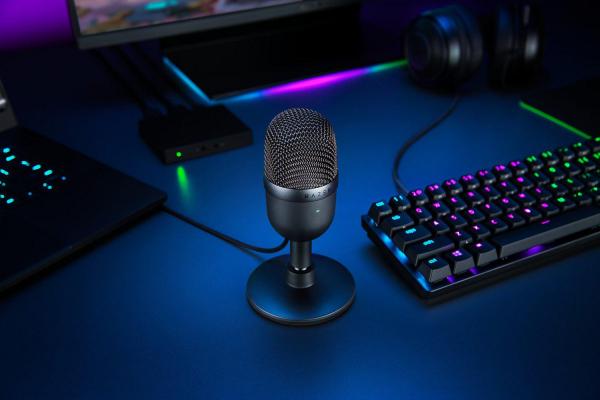 Razer Seiren Mini Compact Microphone 2