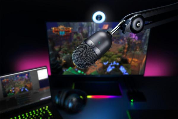 Razer Seiren Mini Compact Microphone 1