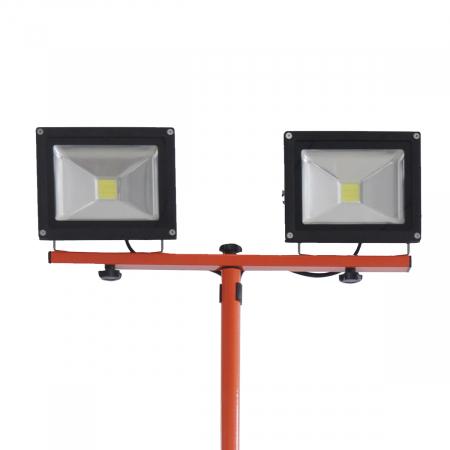 Redback ED40 Stand proiectoare LED acumulatori 40V, 2x20W, solo1