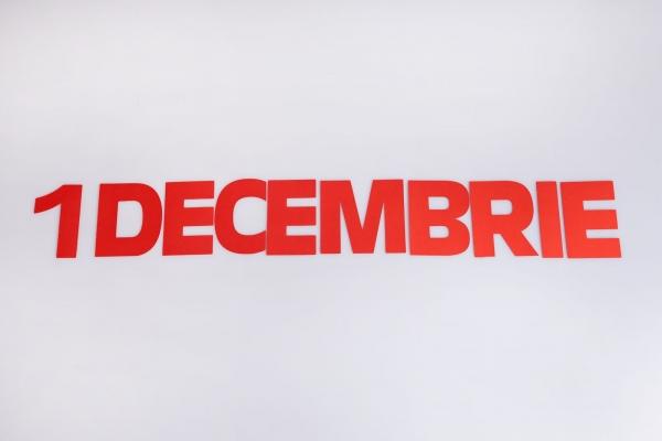 1 DECEMBRIE 0