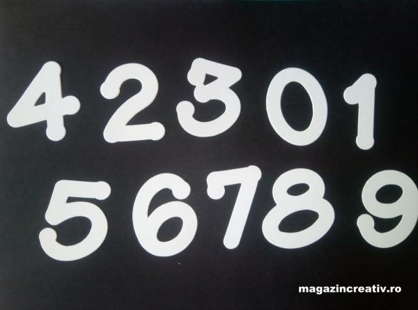 Cifre albe carton 240 grame 1