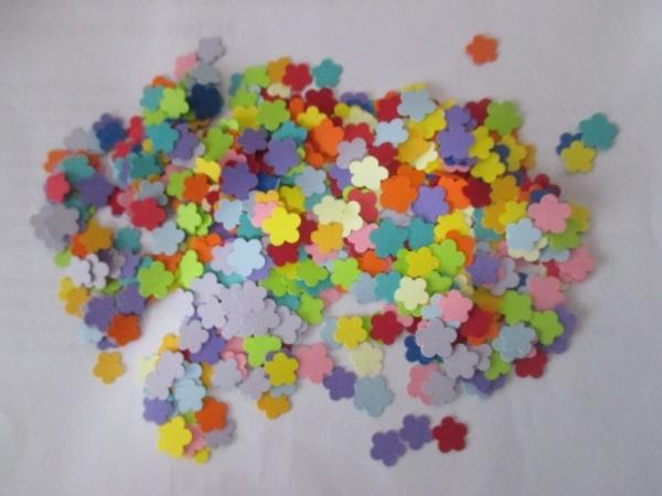 Floricele mici multicolore 0