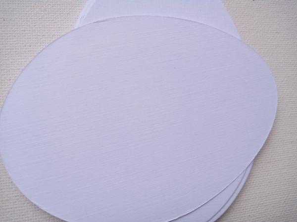 Oua carton alb 220 grame 1