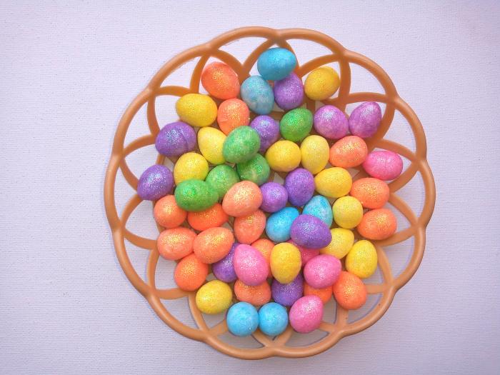 Oua mici polistiren colorate 1,8 cm in cos 0