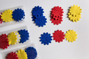 Flori fetru tricolor autoadeziv1