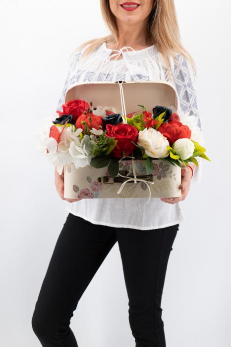 Aranjament floral - Valiza cu Flori - Mare [0]