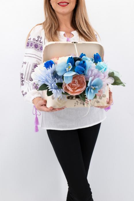 Aranjament floral - Valiza cu Flori - Mare 3 [0]