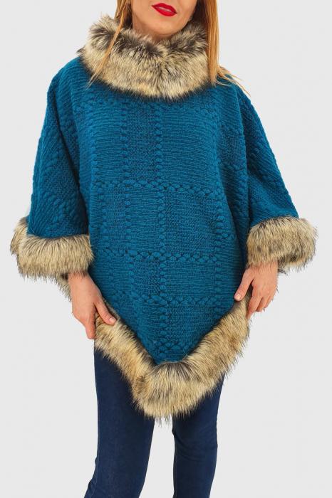 Poncho din lana cu blana 1