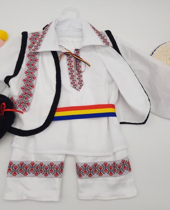 Compleu traditional baietel Adan 1