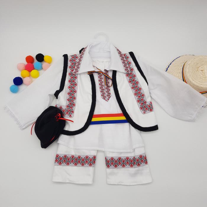 Compleu traditional baietel Adan