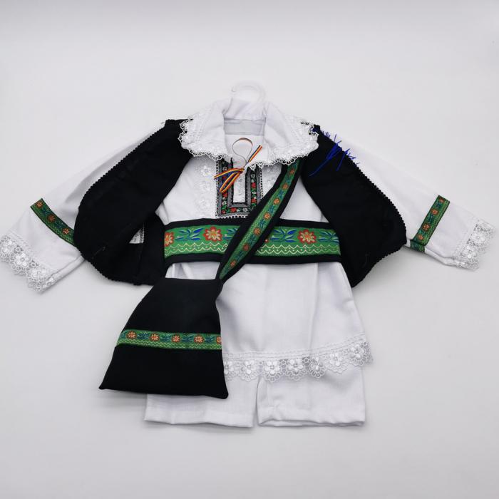 Compleu traditional baietel Costel 1