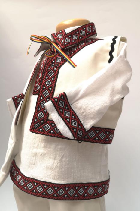 Compleu traditional baietel Darius 7 1