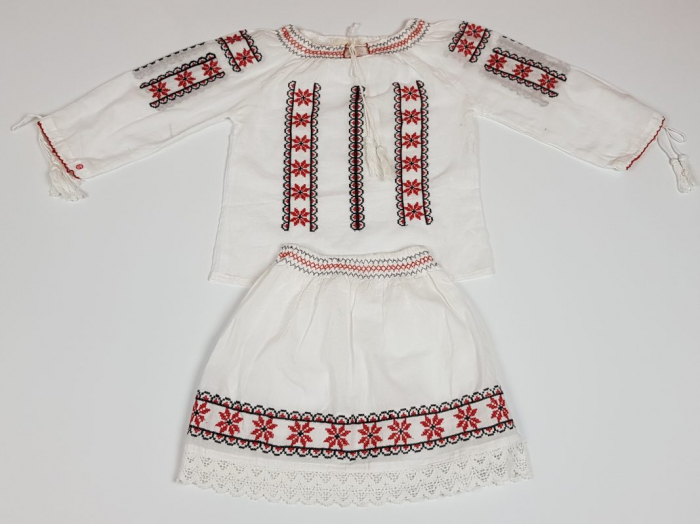 Compleu traditional fetita Ruxandra