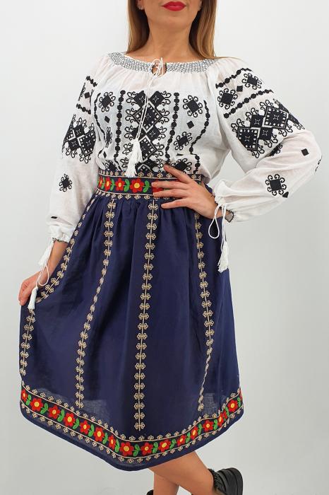 Fusta stilizata cu motive traditionale Ioana 1