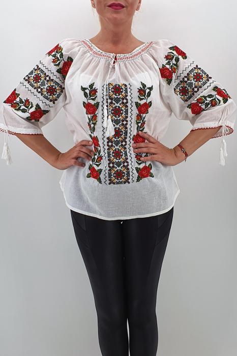 Ie Traditionala Amira 2