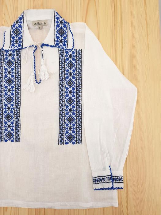 Ie traditionala Baieti Andrei 1