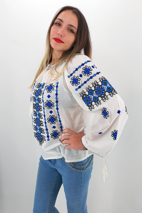 Ie Traditionala Rita - MARIME MARE 0