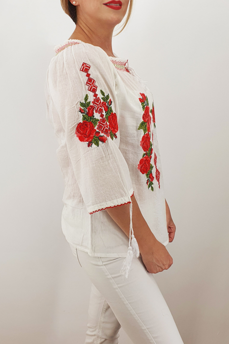 Ie Traditionala Trandafira 6 1