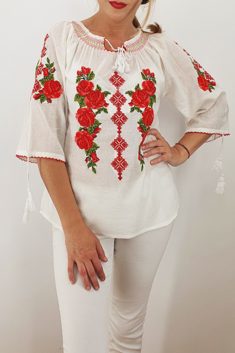 Ie Traditionala Trandafira 6 0