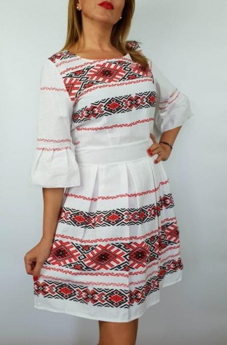 Rochie stilizata cu motive traditionale Nicoleta 3 1