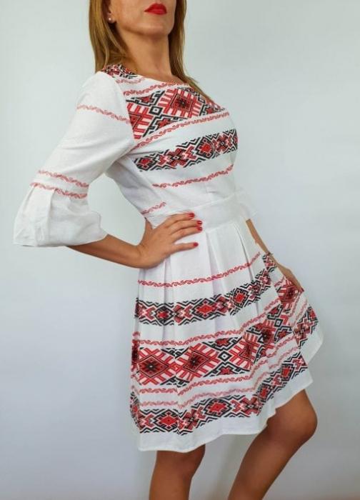 Rochie stilizata cu motive traditionale Nicoleta 3 2