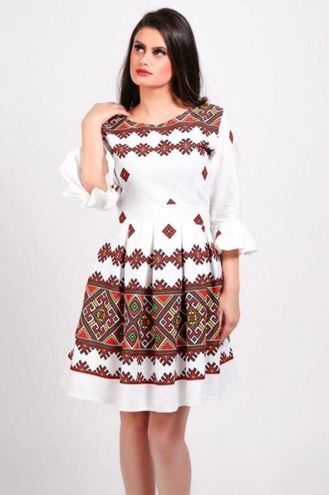 Rochie stilizata cu motive traditionale Nicoleta